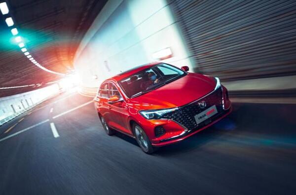 长安逸动系列5月劲销13709辆,领跑中国品牌轿车市场